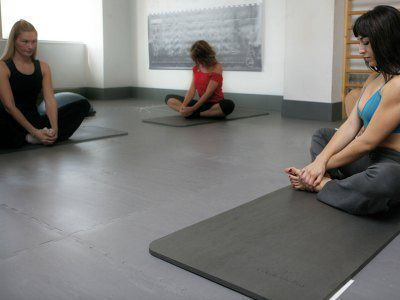 body Mind Flooring - Yoga Pilates Stretching